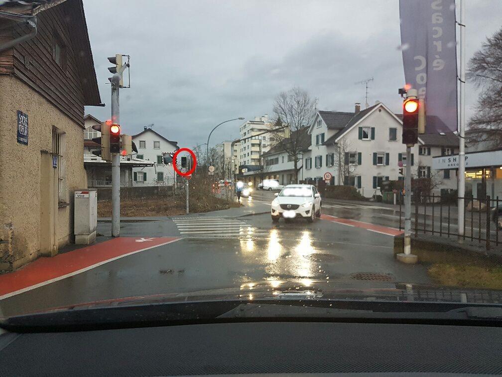 Fußgängerampel Schulweg defekt
