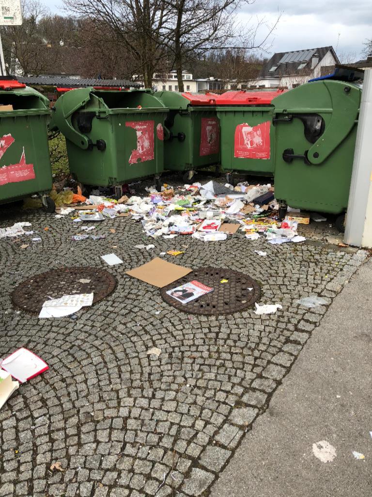 Chaos bei Müllstation Lustenau Kindergarten Augarten