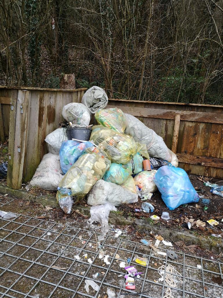 Müllstationen Überwachungs Kameras
