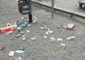 Müll am Kinderspielplatz