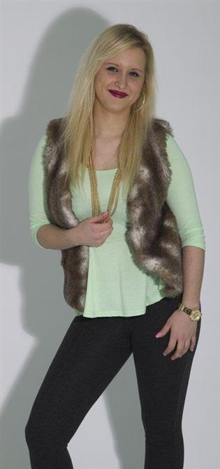 Nicole aus Altenstadt
